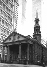 St. Paul's Chapel, with the Twin Towers in the background as they existed before September 11, 2001